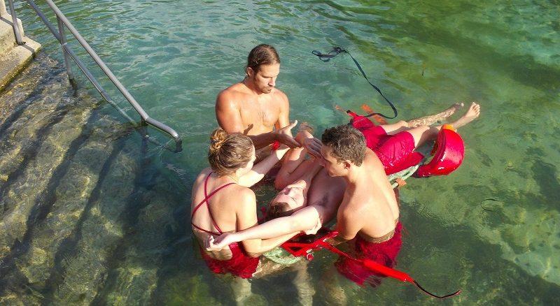 Erste Hilfe - bei Pandemie im Schwimmbad